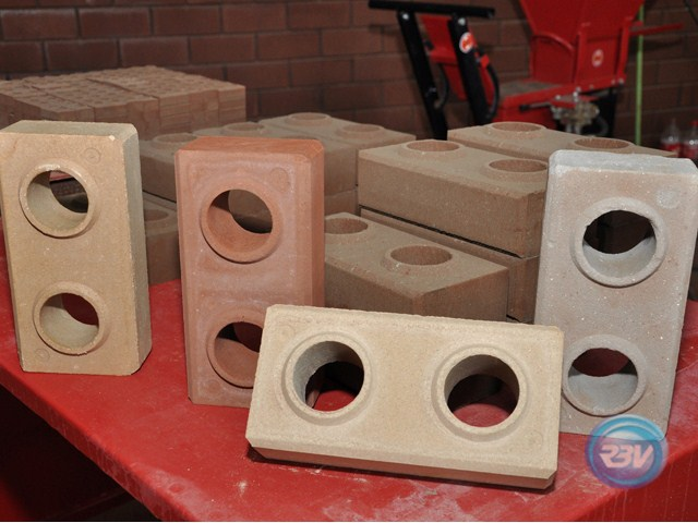 Projeto Solicitado [5 de agosto de 2013] – Prensa Hidraulica para Tijolo Ecologico (Solo Cimento)