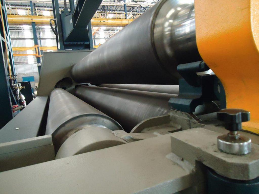 Projeto Solicitado [14 de agosto de 2013] –  Projeto para fabricação de uma calandra de chapas 4 rolos