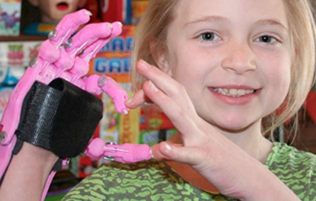 E-nabling the future: Acesso a próteses infantis de baixo custo