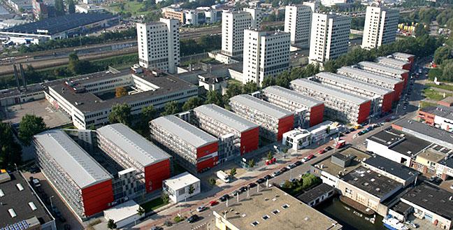 Construções Habitacionais com Contêineres Metálicos